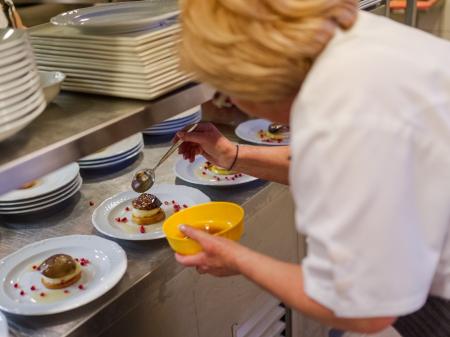 Bock Óbor Étterem - Főzés