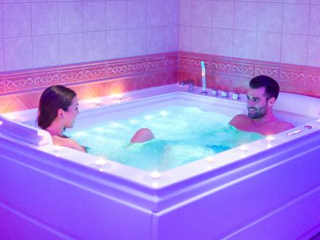 Wellness részleg - Bock Hotel Ermitage - Jacuzzi